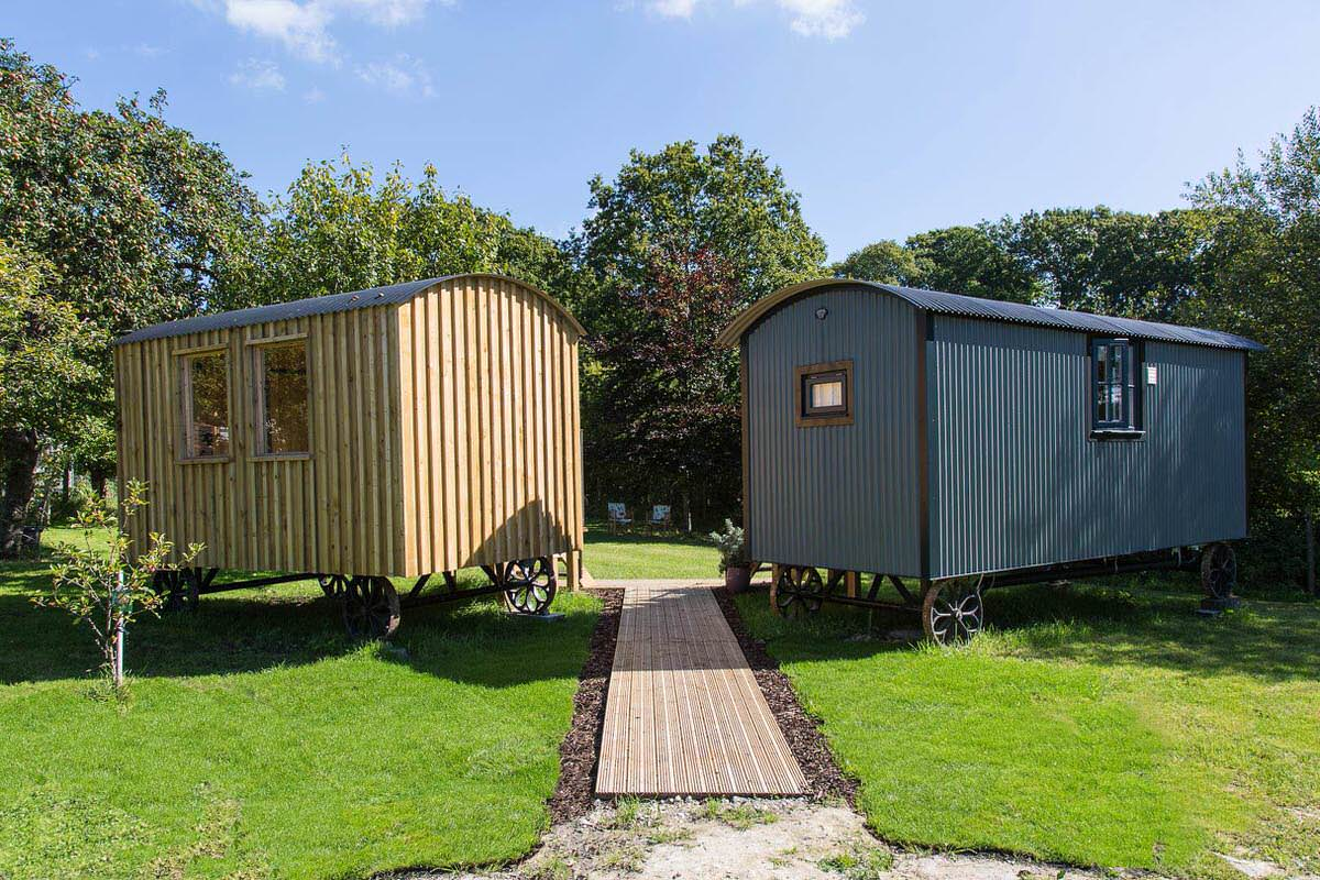 Two huts for extra comfort